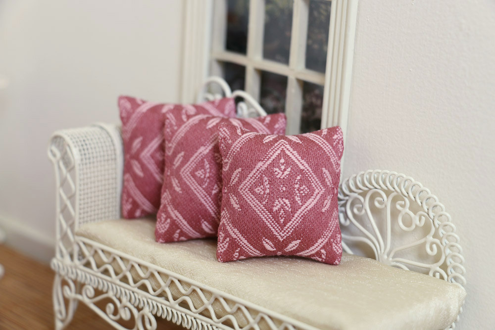 Image of: Green and Pink Throw Pillows