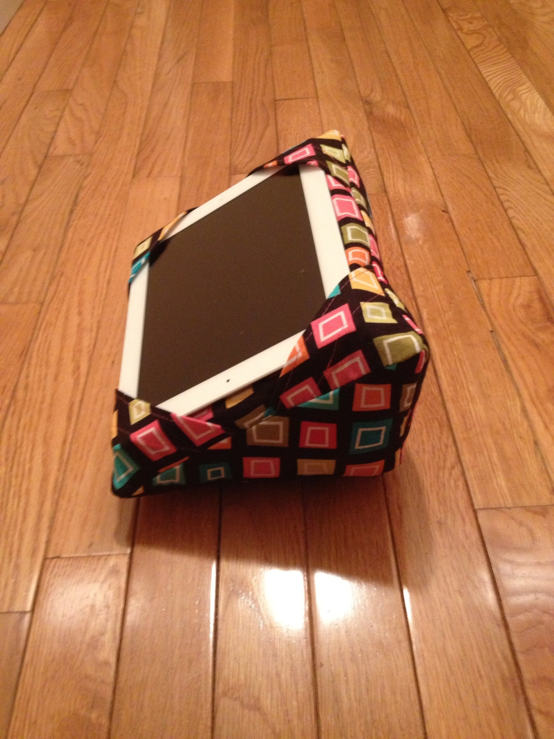 Image of: Image Tablet Pillow