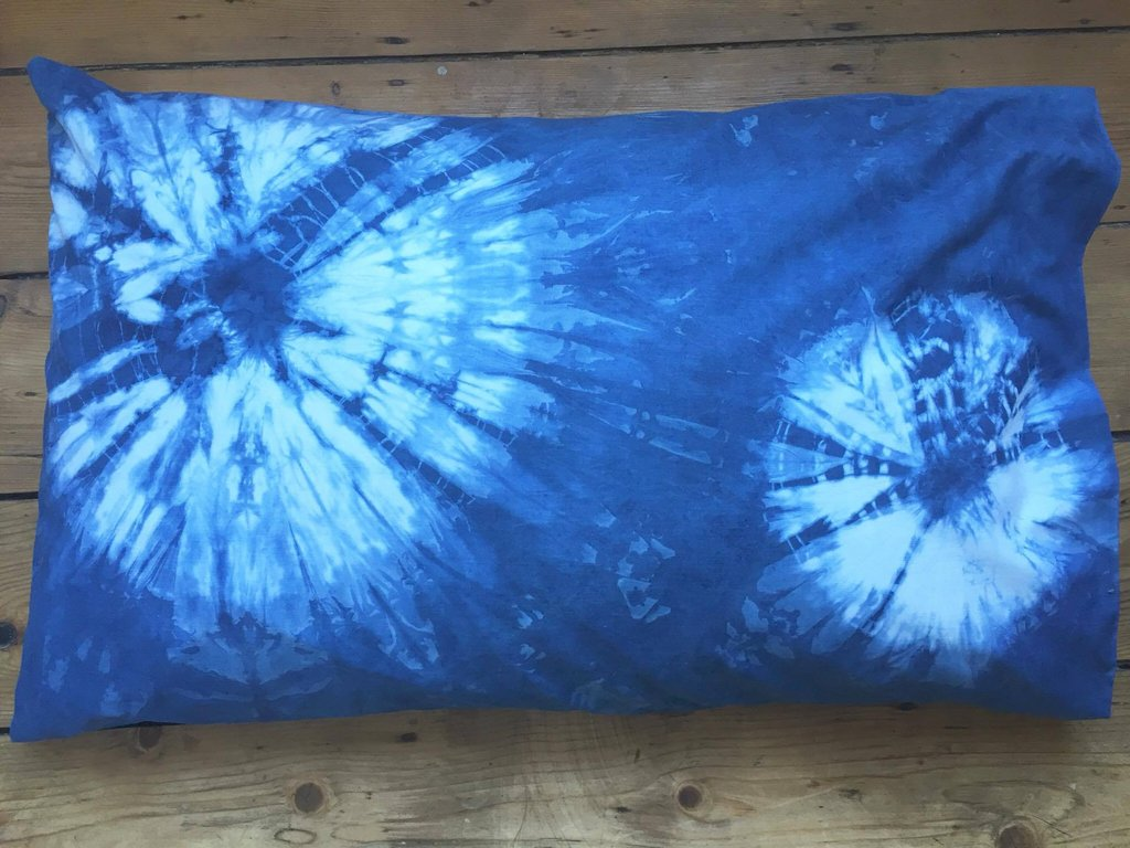 Image of: Lattice Shibori Pillows
