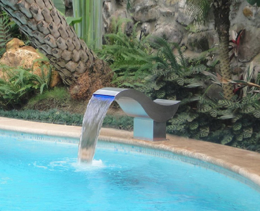 Image of: Modern DIY Pool Fountain