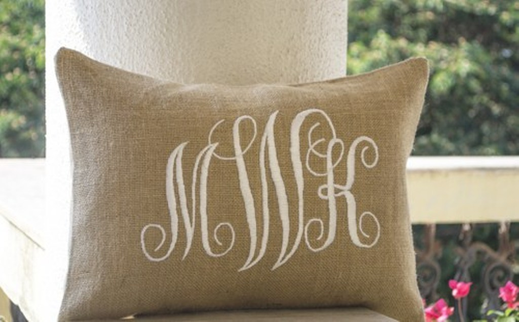 Image of: Monogram Pillow DIY