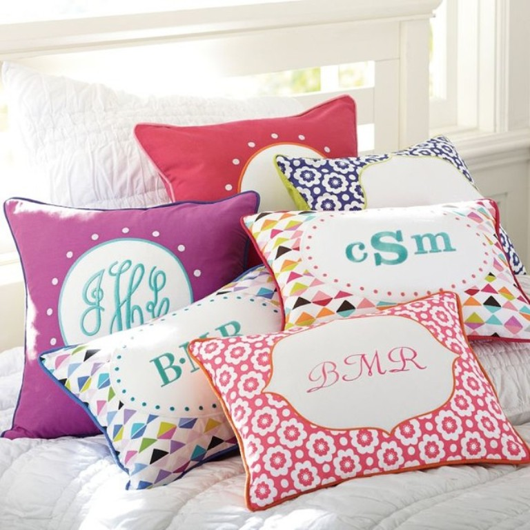 Image of: Monogram Pillow Ideas