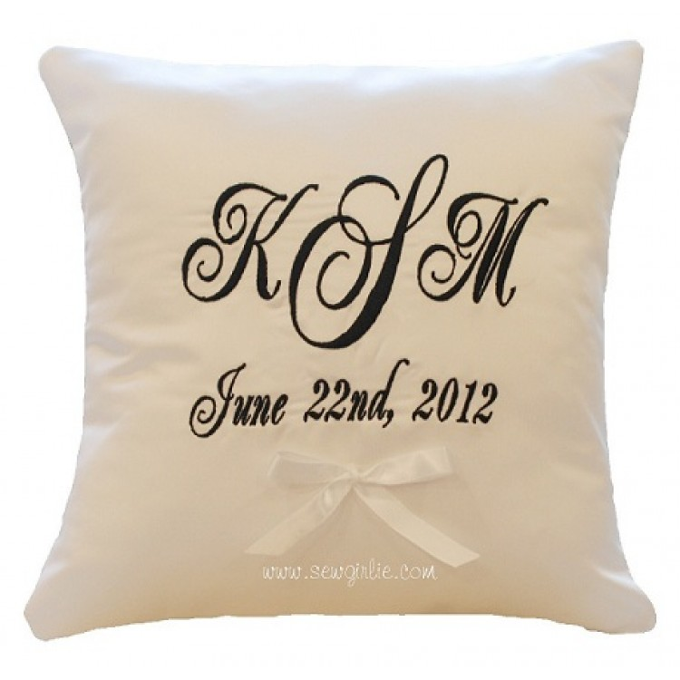 Image of: Monogrammed Pillows Design