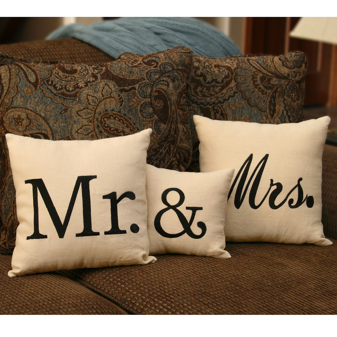 Image of: Mr and Mrs Pillows Collection
