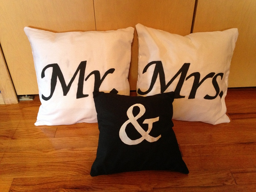 Image of: Mr and Mrs Pillows Colors