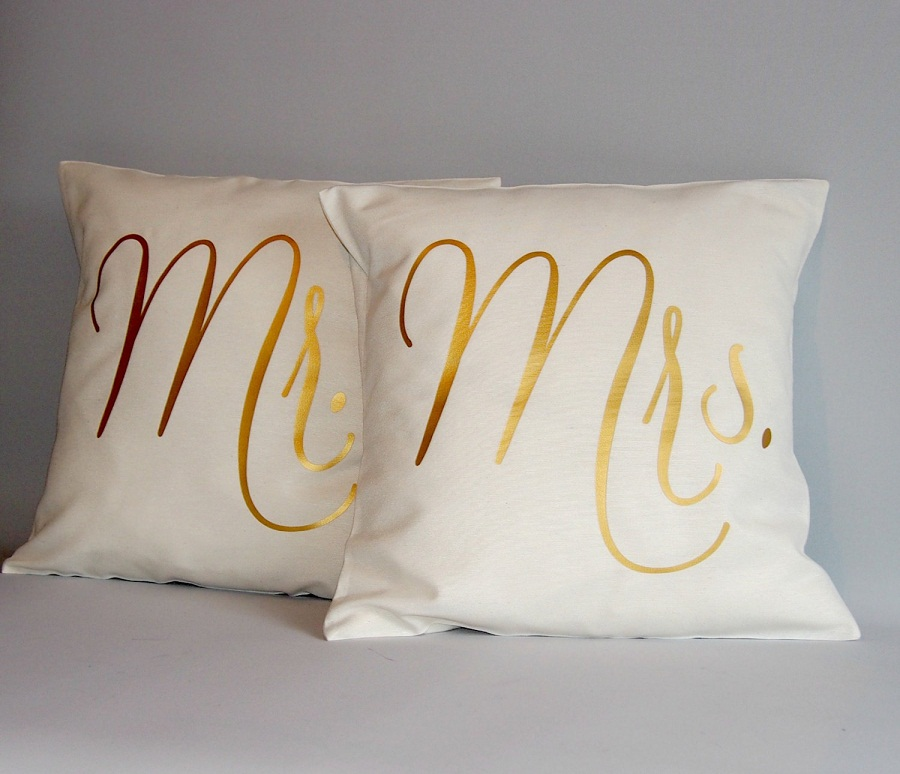 Image of: Mr and Mrs Pillows Metalic