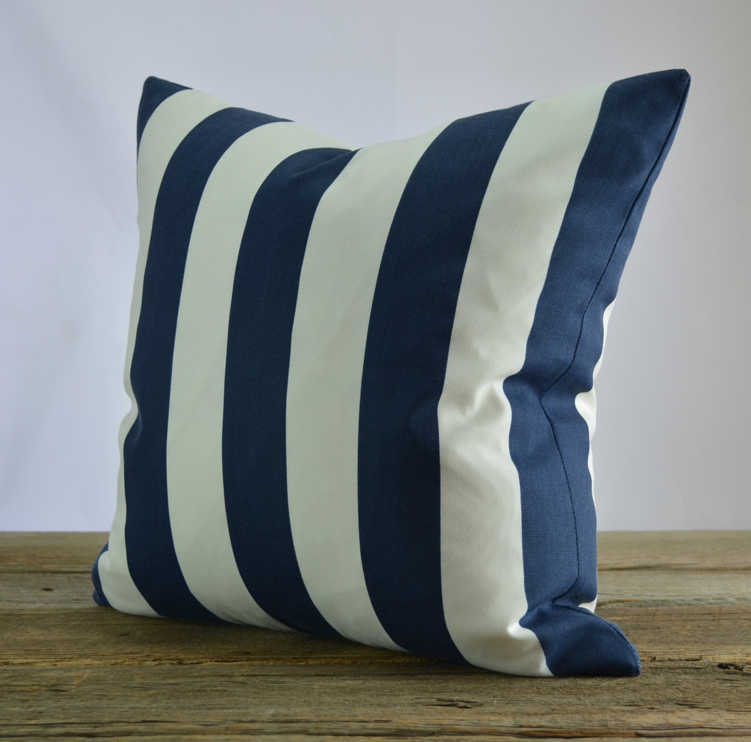 Image of: Navy Blue Throw Pillows Colors