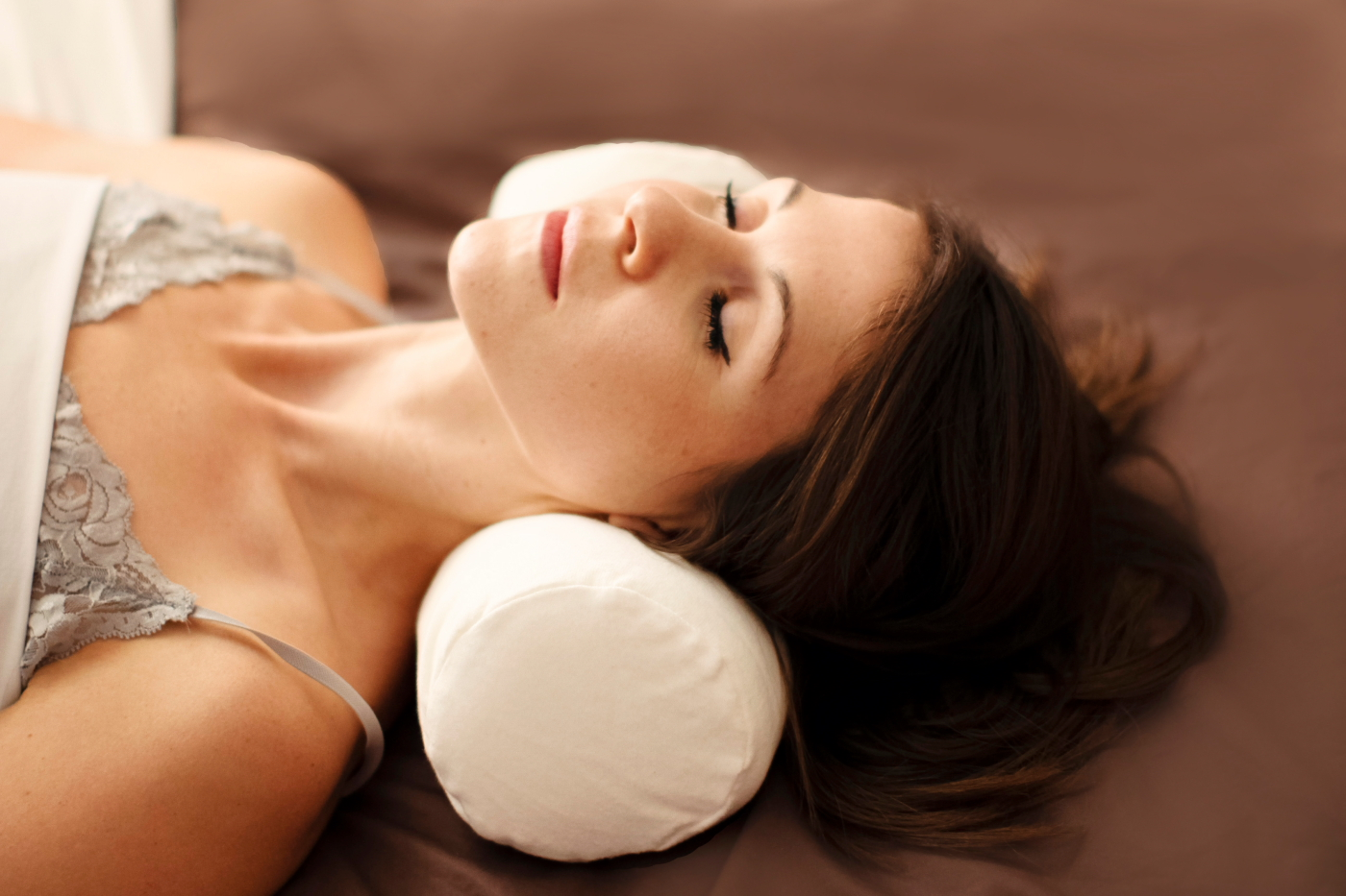 Image of: Healthy Neck Roll Pillow Ideas