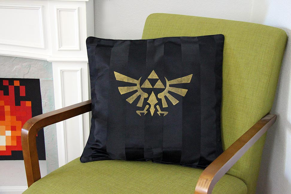 Image of: Nerdy Pillows Ideas