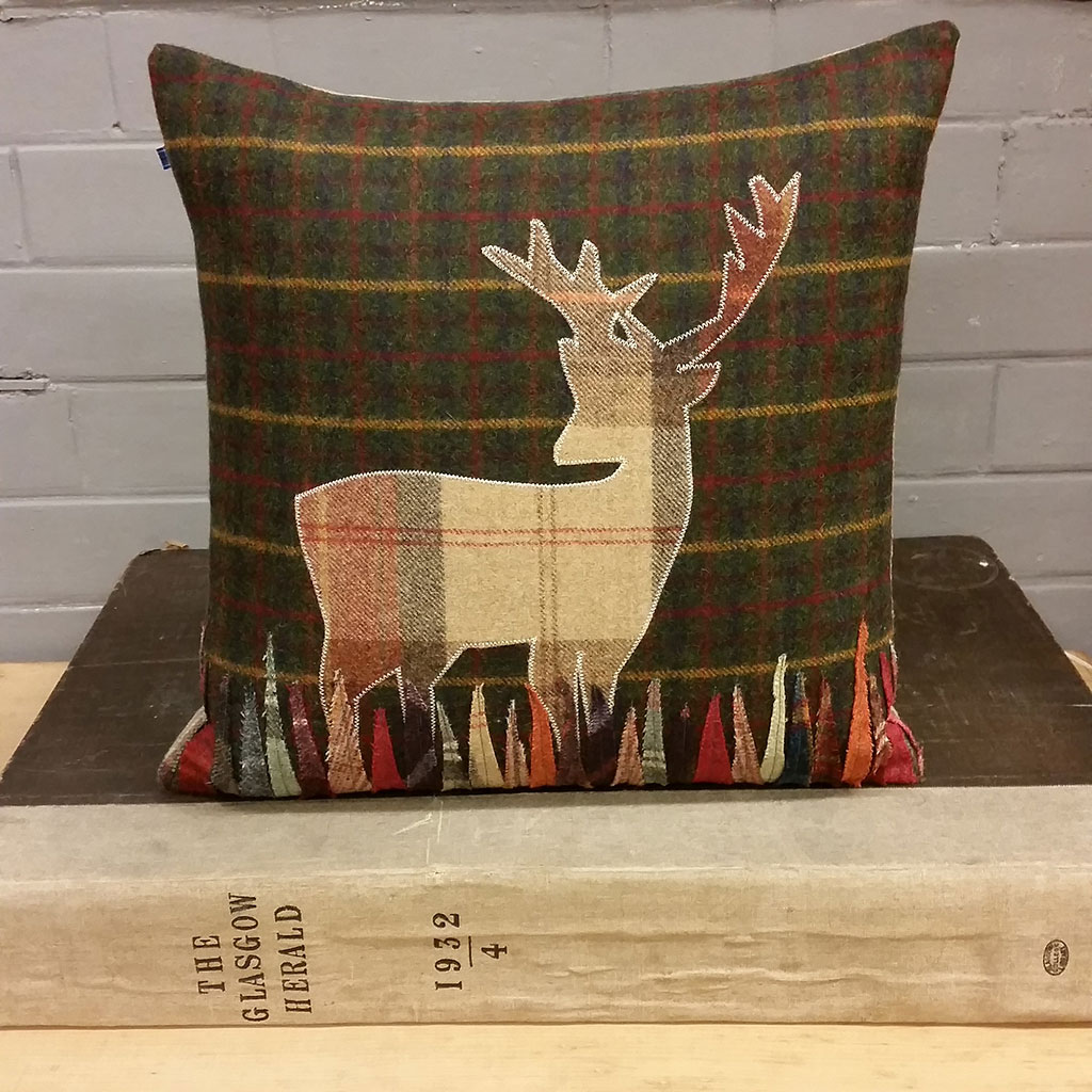 Image of: New Stag Pillow