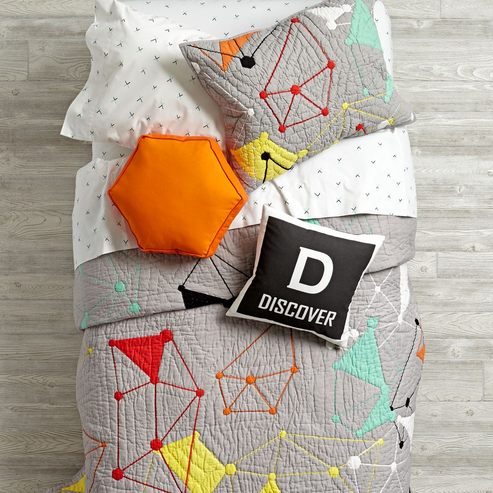 Image of: New Triangle Pillow