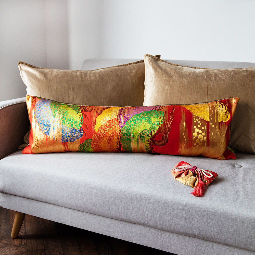Image of: Nice Long Couch Pillows