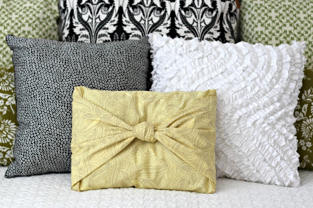 Image of: No Sew Pillow Covers Style