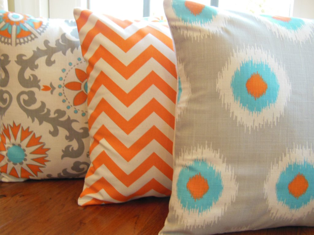 Image of: Orange and Turquoise Throw Pillows