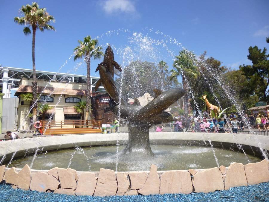 Image of: Outdoor Dolphin Water Fountain