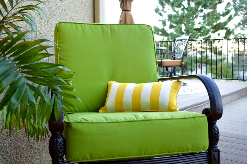 Image of: Outdoor Lumbar Pillows Blue