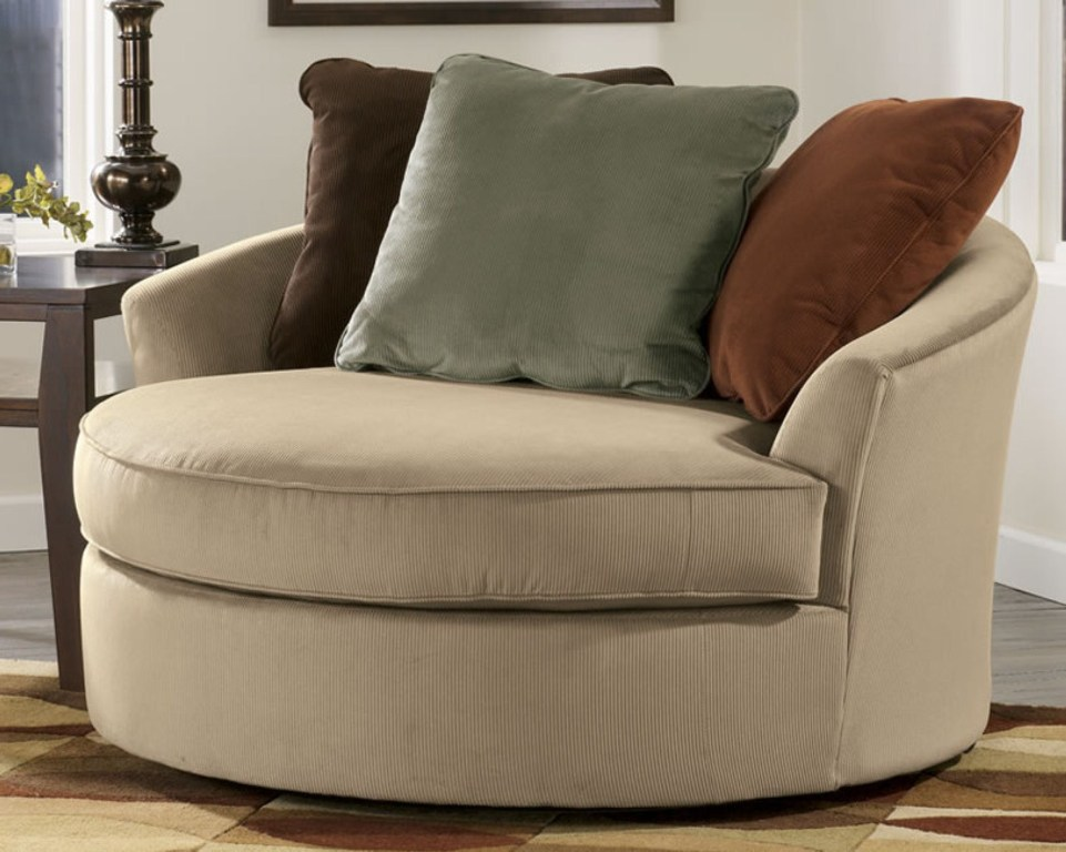 Image of: Oversized Pillows Chairs