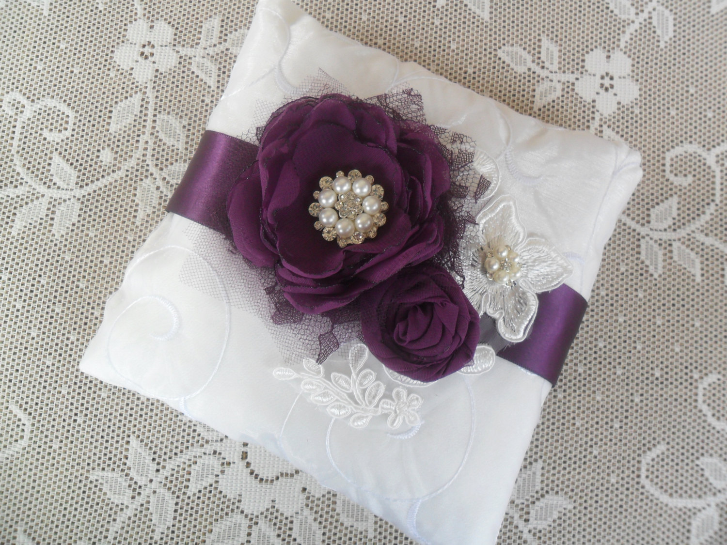 Image of: Purple Ring Pillow
