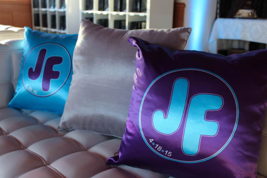 Image of: Purple and Turquoise Pillows