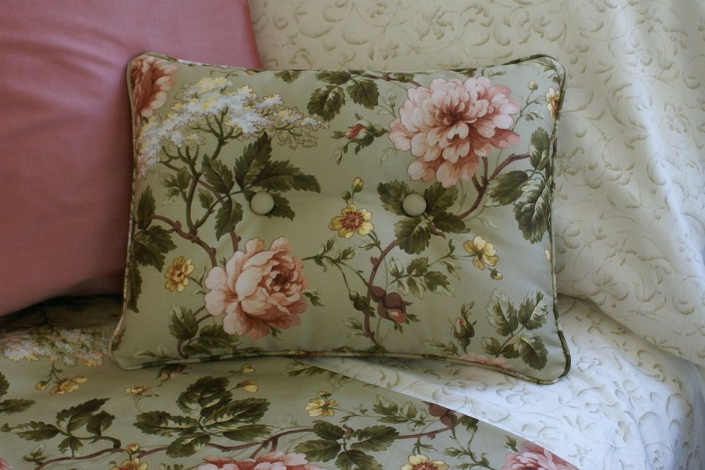 Image of: Ralph Lauren Pillows Discounted