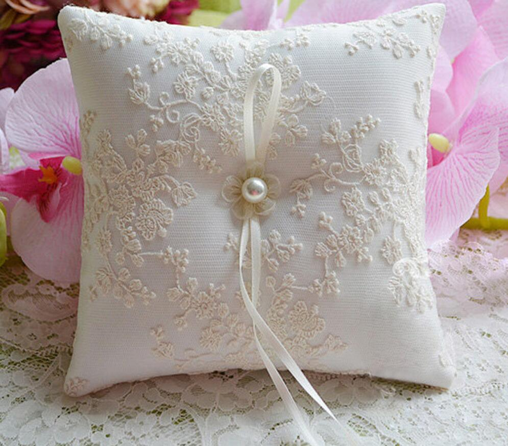 Image of: Ring Bearer Pillow Decor