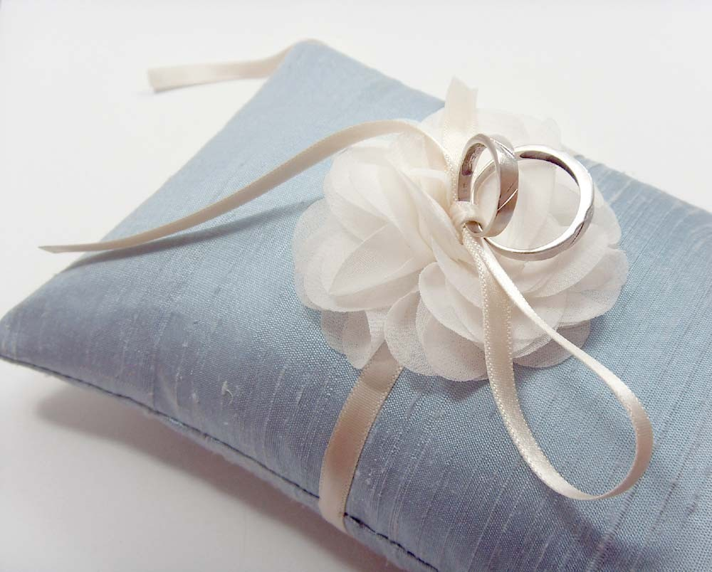 Image of: Ring Bearer Pillow Flowers