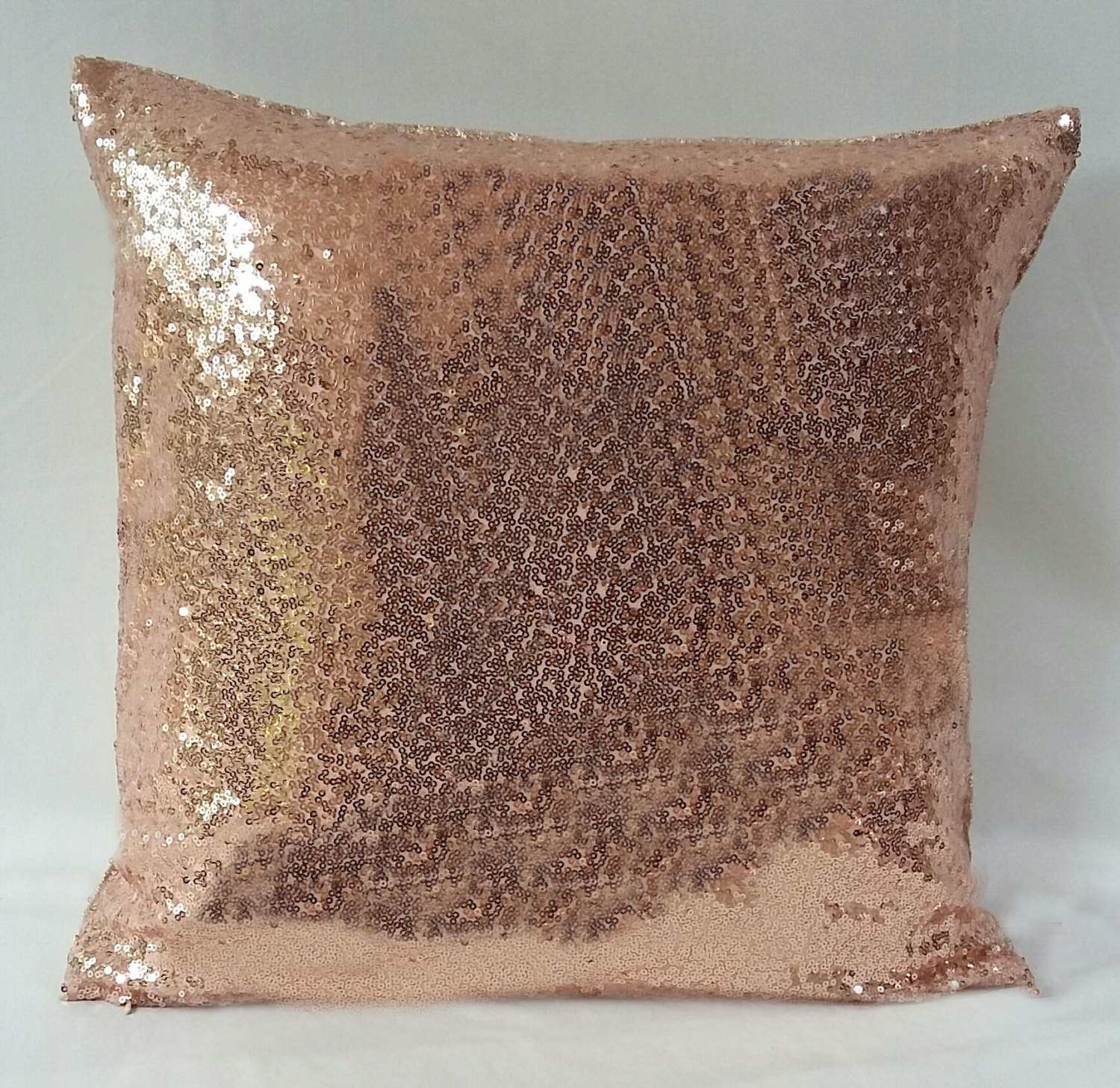 Image of: Rose Gold Pillow Design
