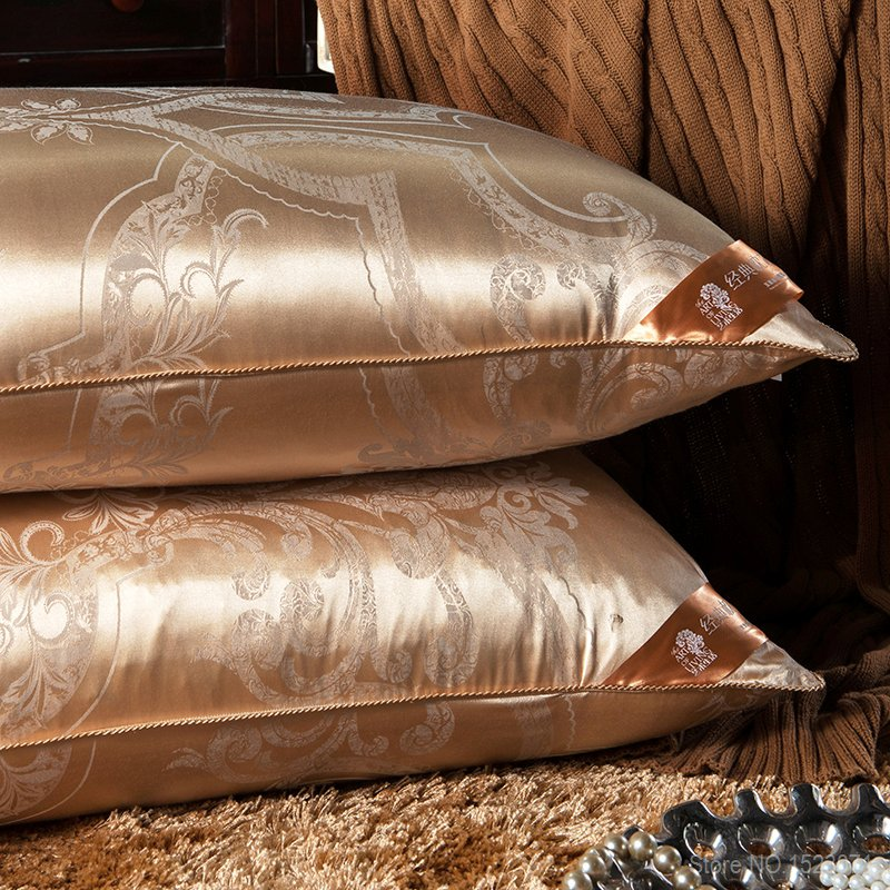 Image of: Rose Gold Pillow Style