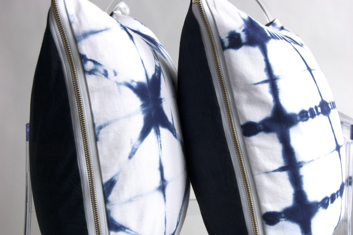 Image of: Shibori Pillow Model