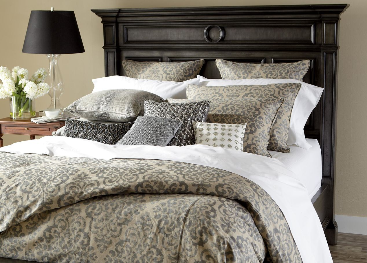 Image of: Silver Beaded Pillow Bedroom