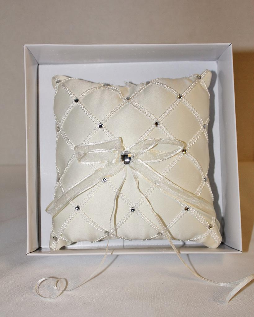 Image of: Silver Beaded Pillow Gift