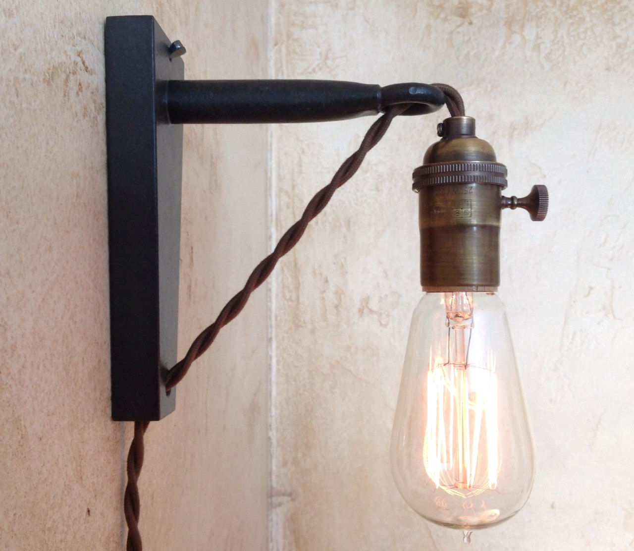 Image of: Simple Corded Wall Sconce
