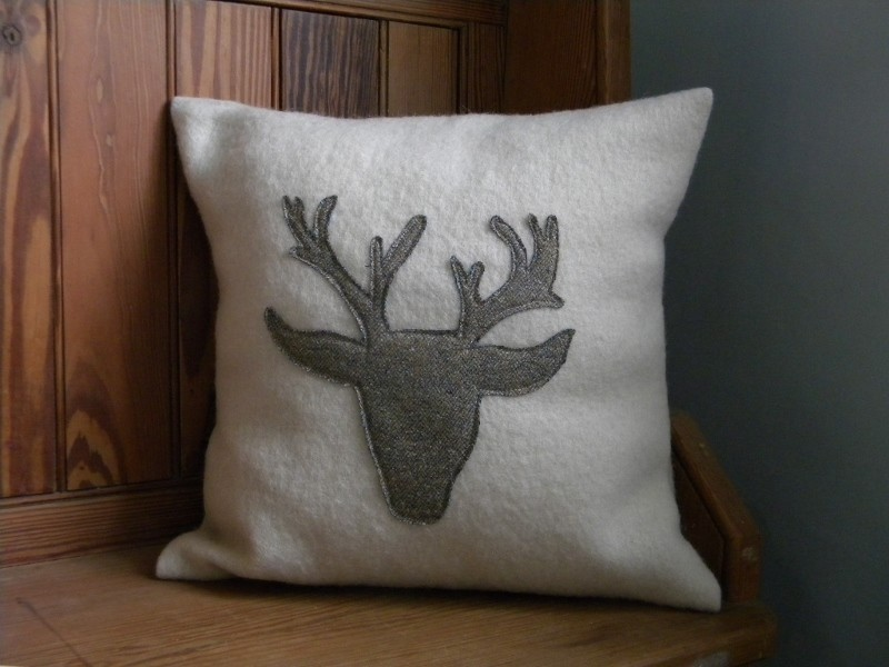Image of: Stag Pillow Ideas