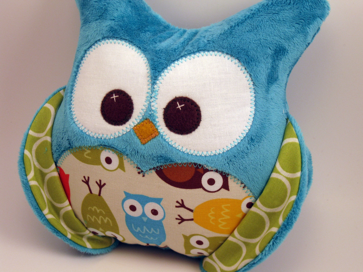 Image of: Stylish Owl Pillow