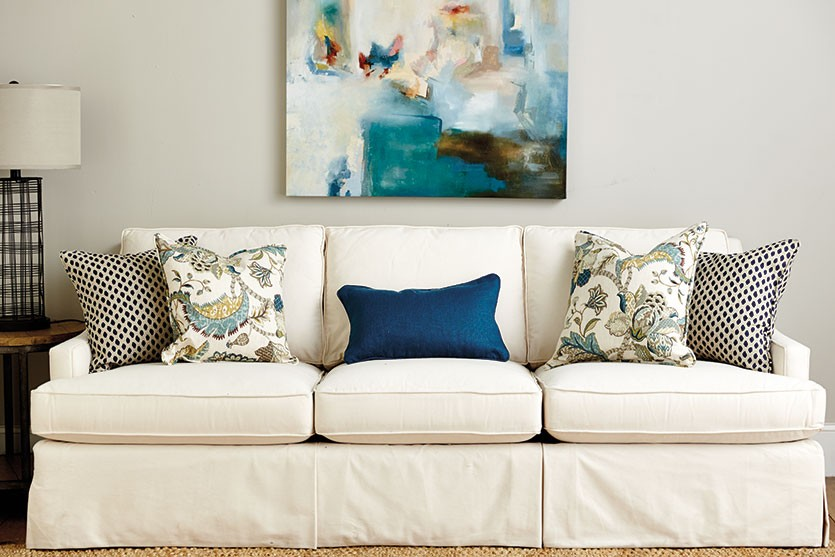 Image of: Throw Pillows for Couch Cover