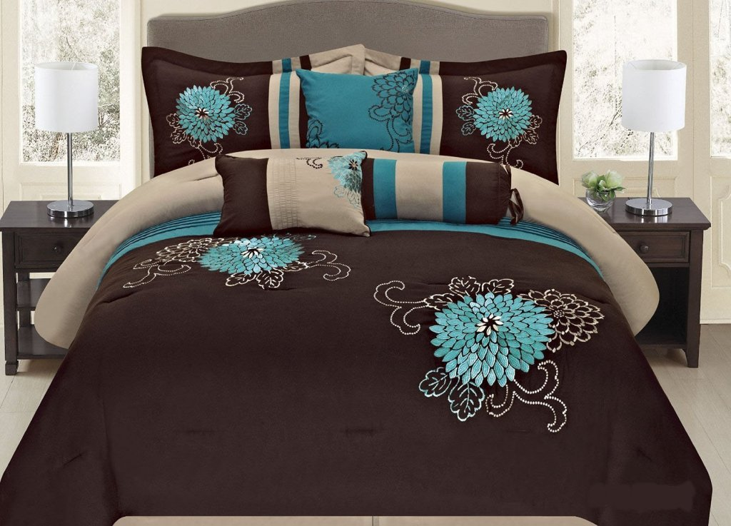 Image of: Turquoise Pillows Bedroom