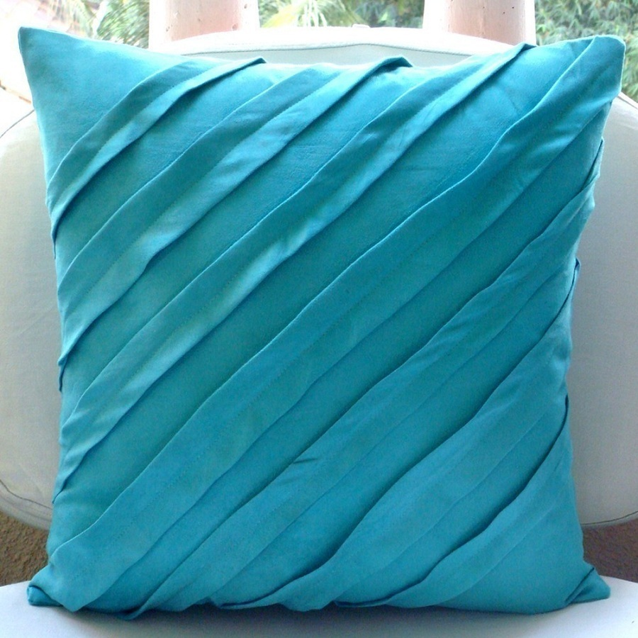 Image of: Turquoise Throw Pillows Ideas