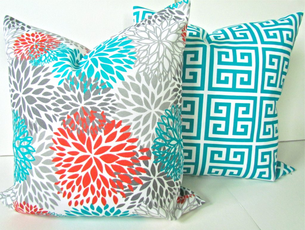 Image of: Turquoise Throw Pillows Pattern