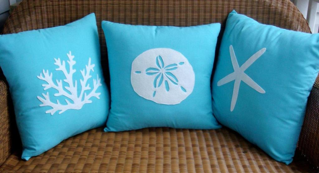 Image of: Turquoise Throw Pillows for Couch