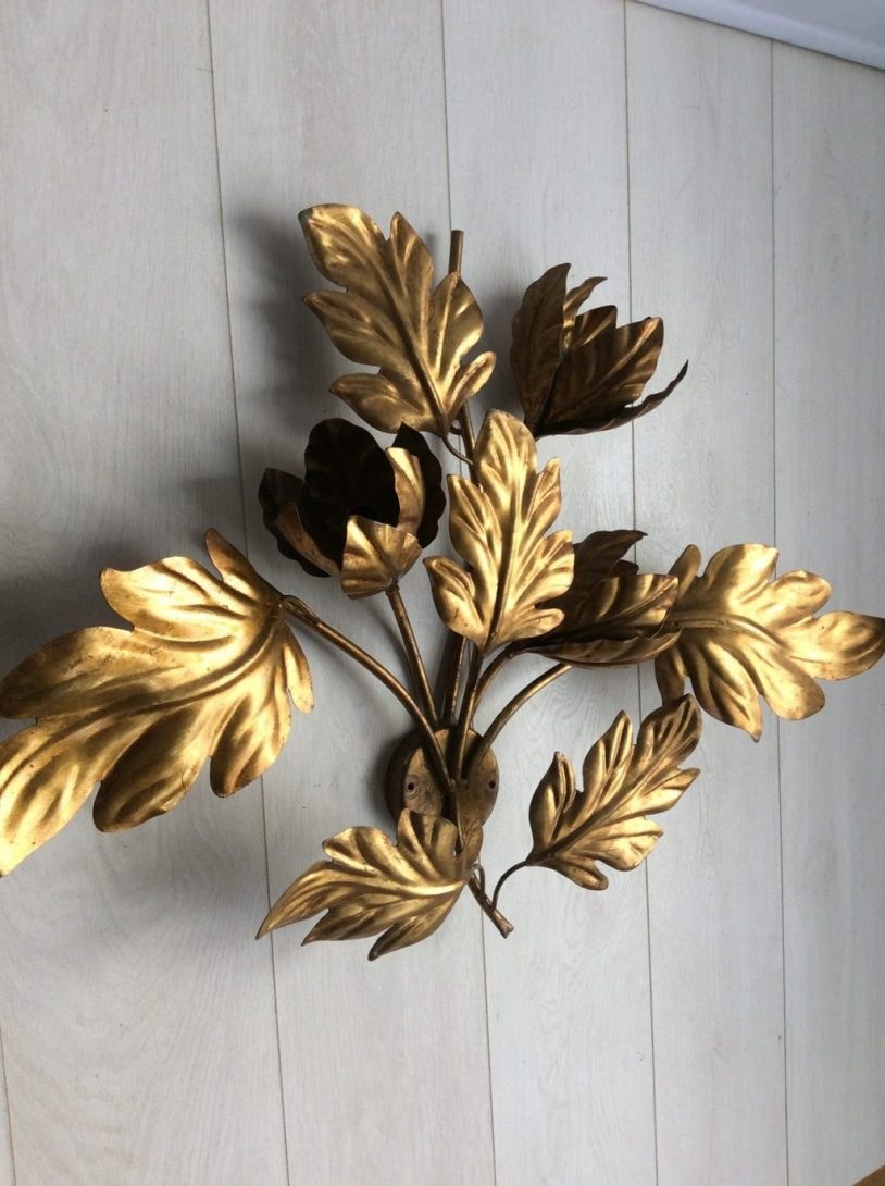 Image of: Unique Gilt Decorative Wall Sconces For Flowers