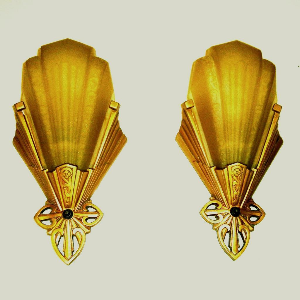 Image of: Vintage Art Deco Wall Sconce