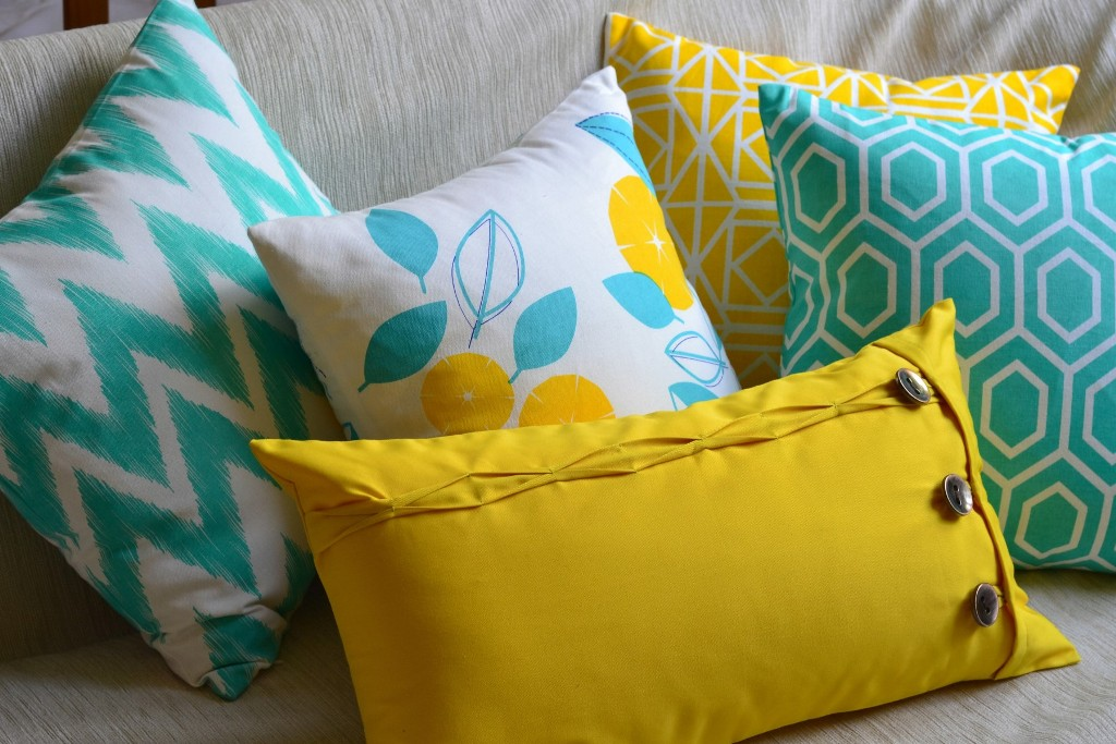 Image of: Yellow and Turquoise Pillows