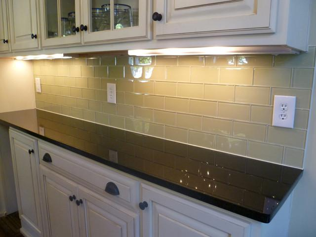 Image of: Amazing Glass Subway Tile Backsplash Ideas