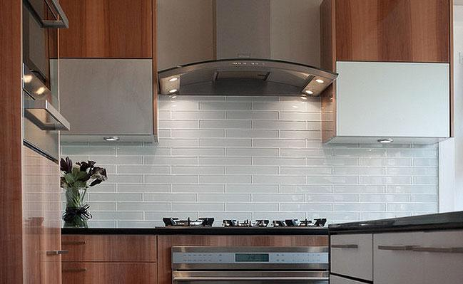 Image of: Amazing Grey Glass Subway Tile Backsplash Ideas