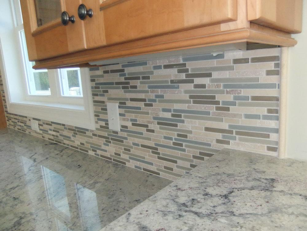 Image of: Awesome Glass Mosaic Tile Backsplash Ideas