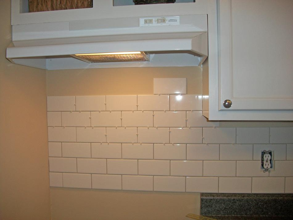 Image of: Awesome Kitchen Backsplash Subway Tile Ideas