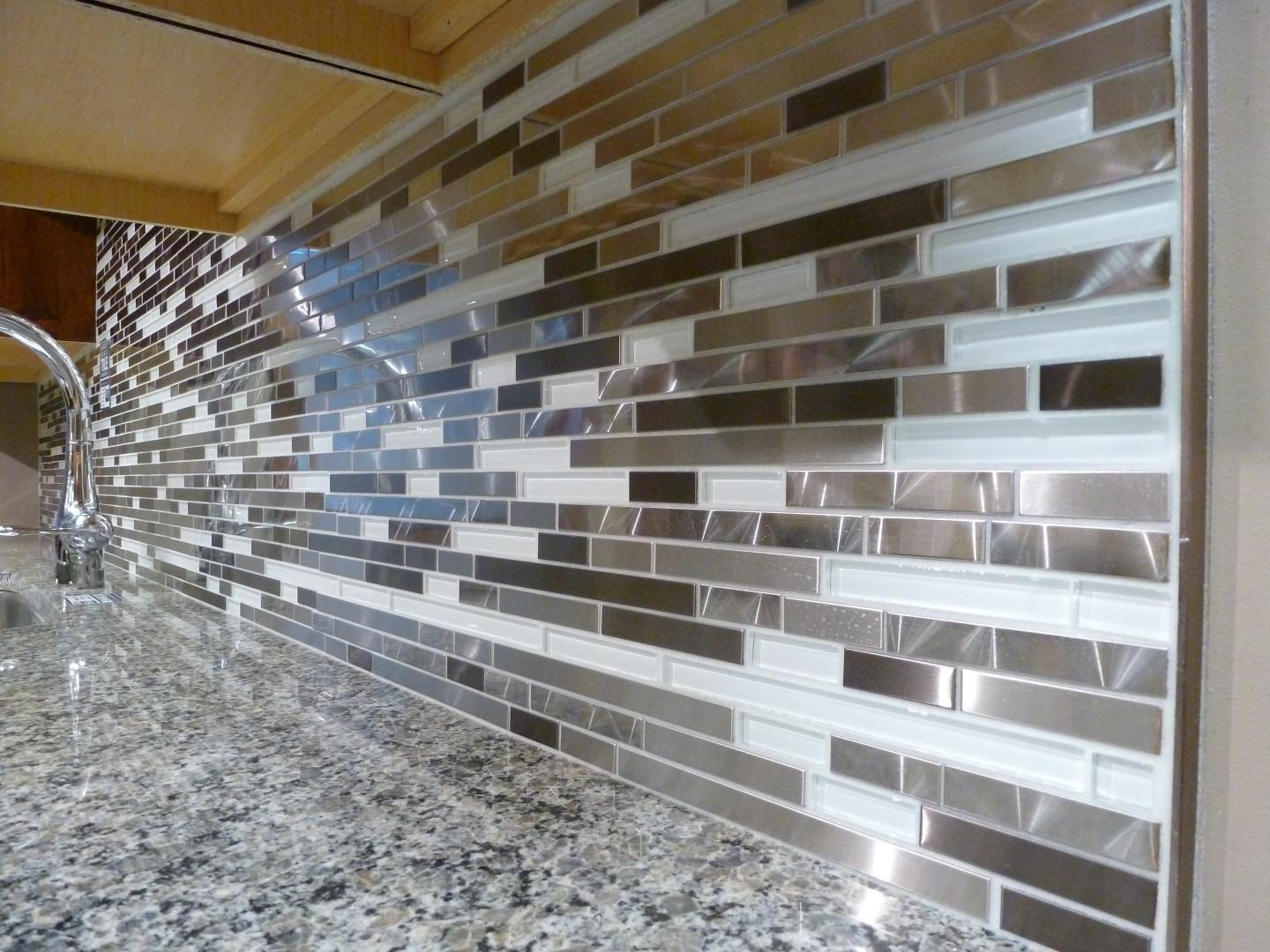 Image of: Awesome Mosaic Tile Kitchen Backsplash Ideas