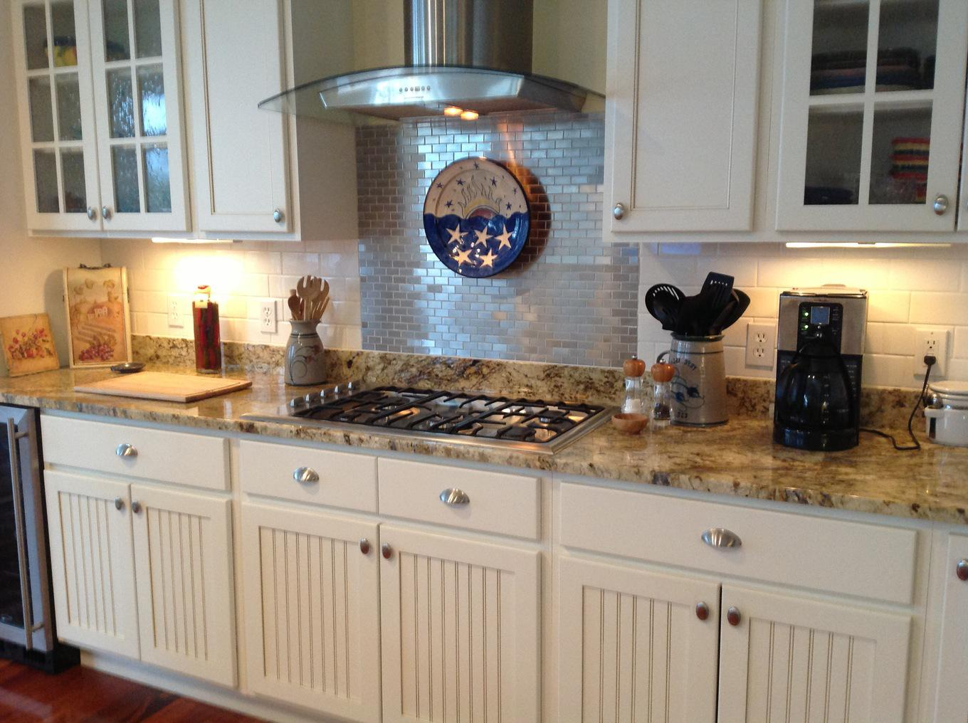 Image of: Beautiful Glass Tile Backsplash Ideas