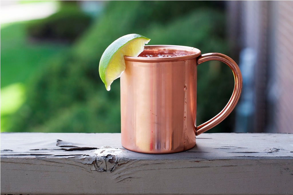 Image of: Cocktails in a Copper Mug
