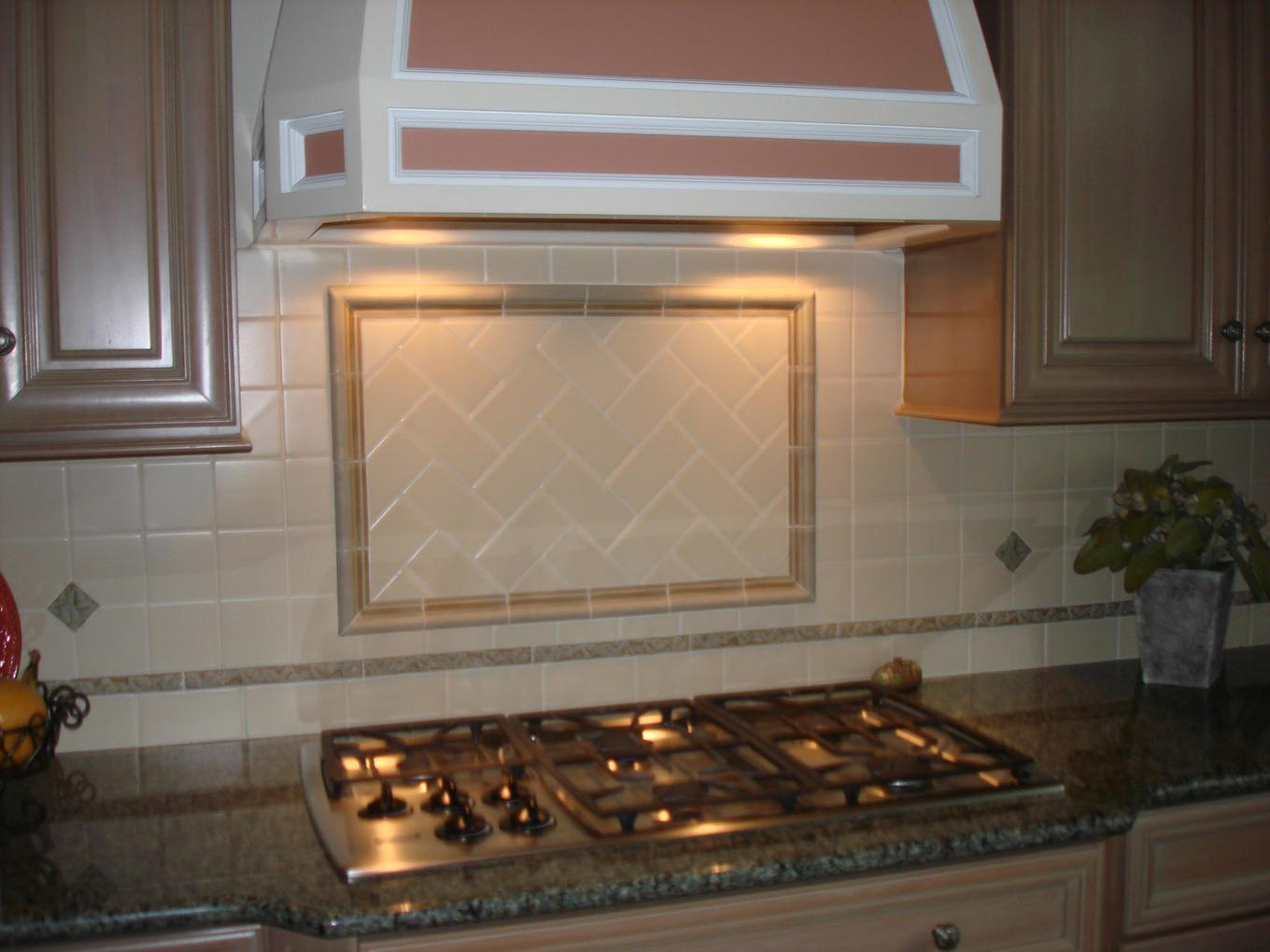 Image of: Elegant Grey Glass Subway Tile Backsplash Ideas